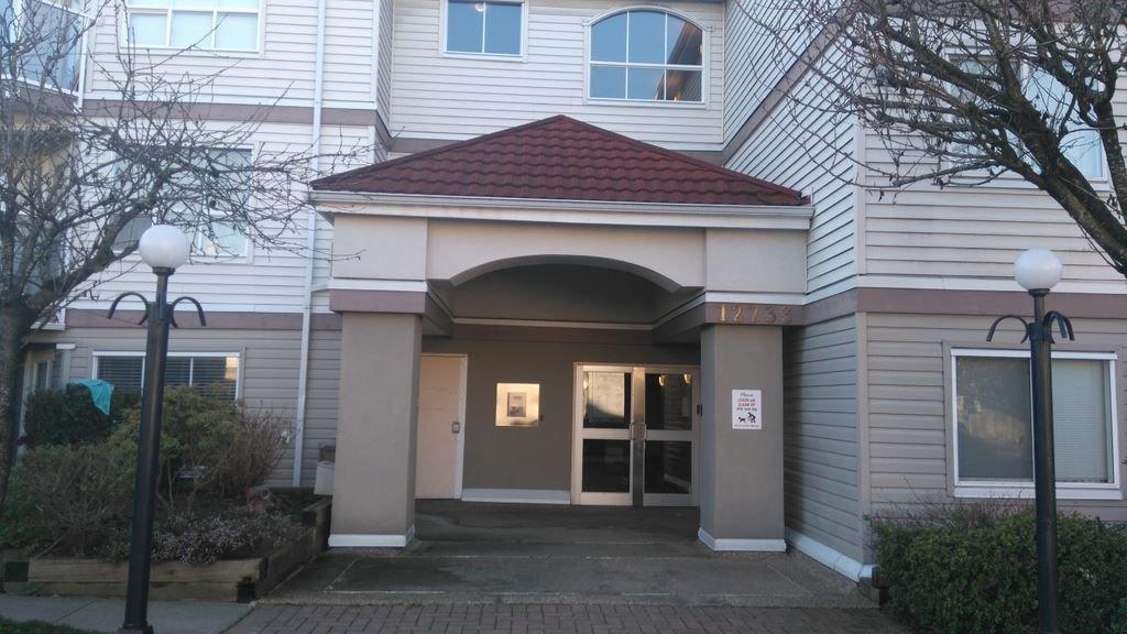 Main Photo: 302 12733 72 AVENUE in Surrey: West Newton Condo for sale : MLS®# R2262352