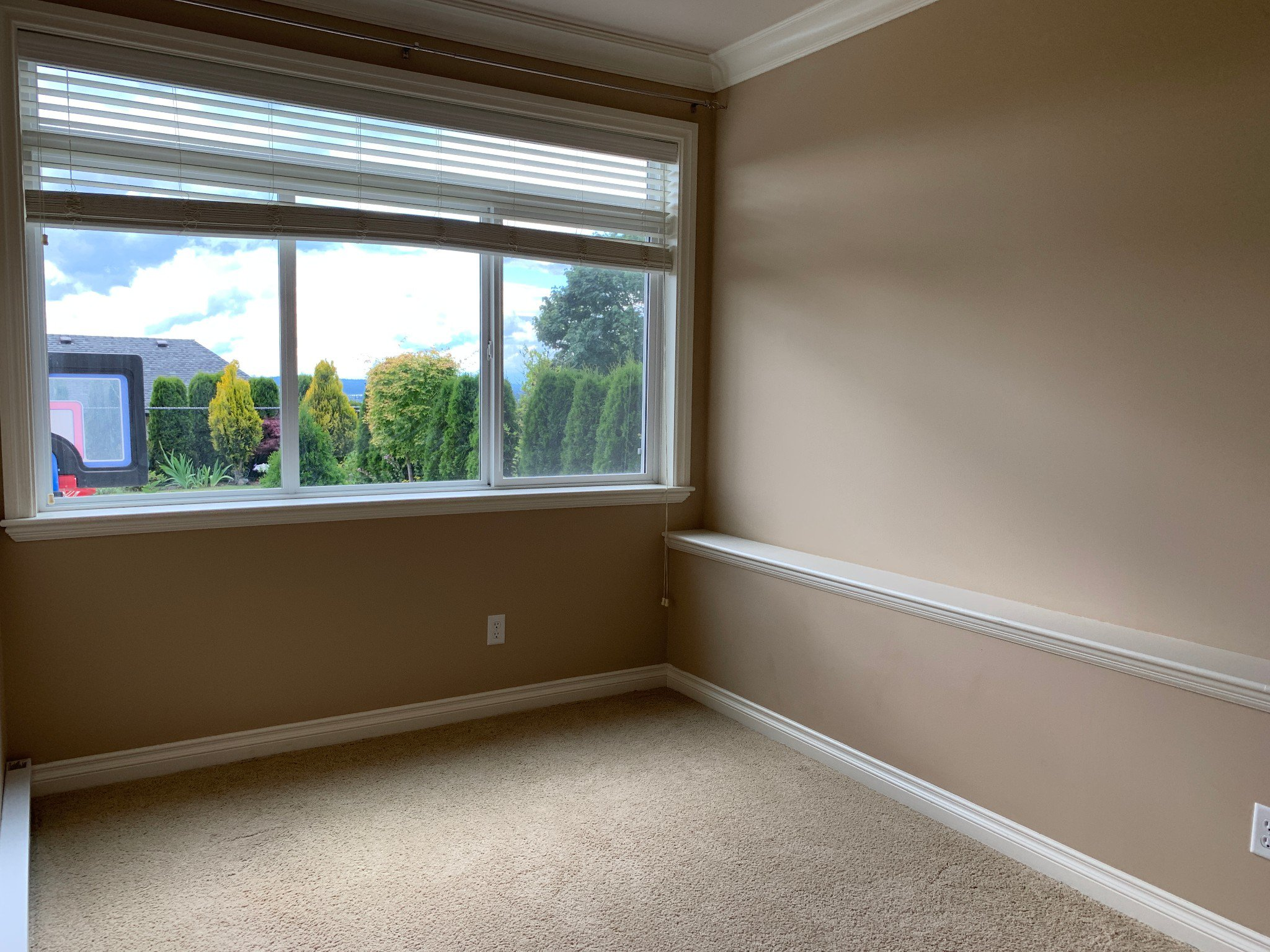 Photo 8: Photos: BSMT 3975 Caves Court in Abbotsford: Abbotsford East Condo for rent