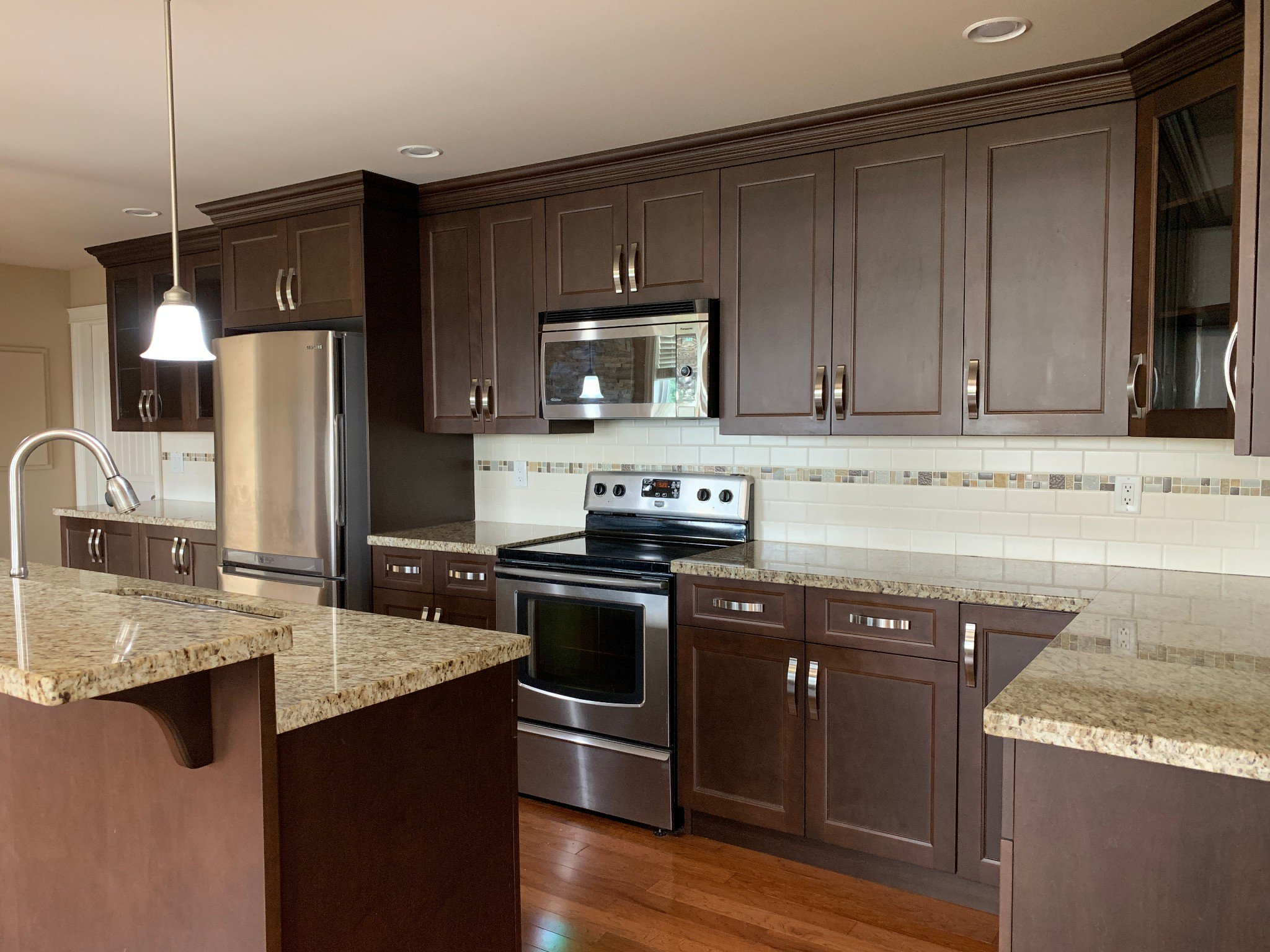 Photo 2: Photos: BSMT 3975 Caves Court in Abbotsford: Abbotsford East Condo for rent