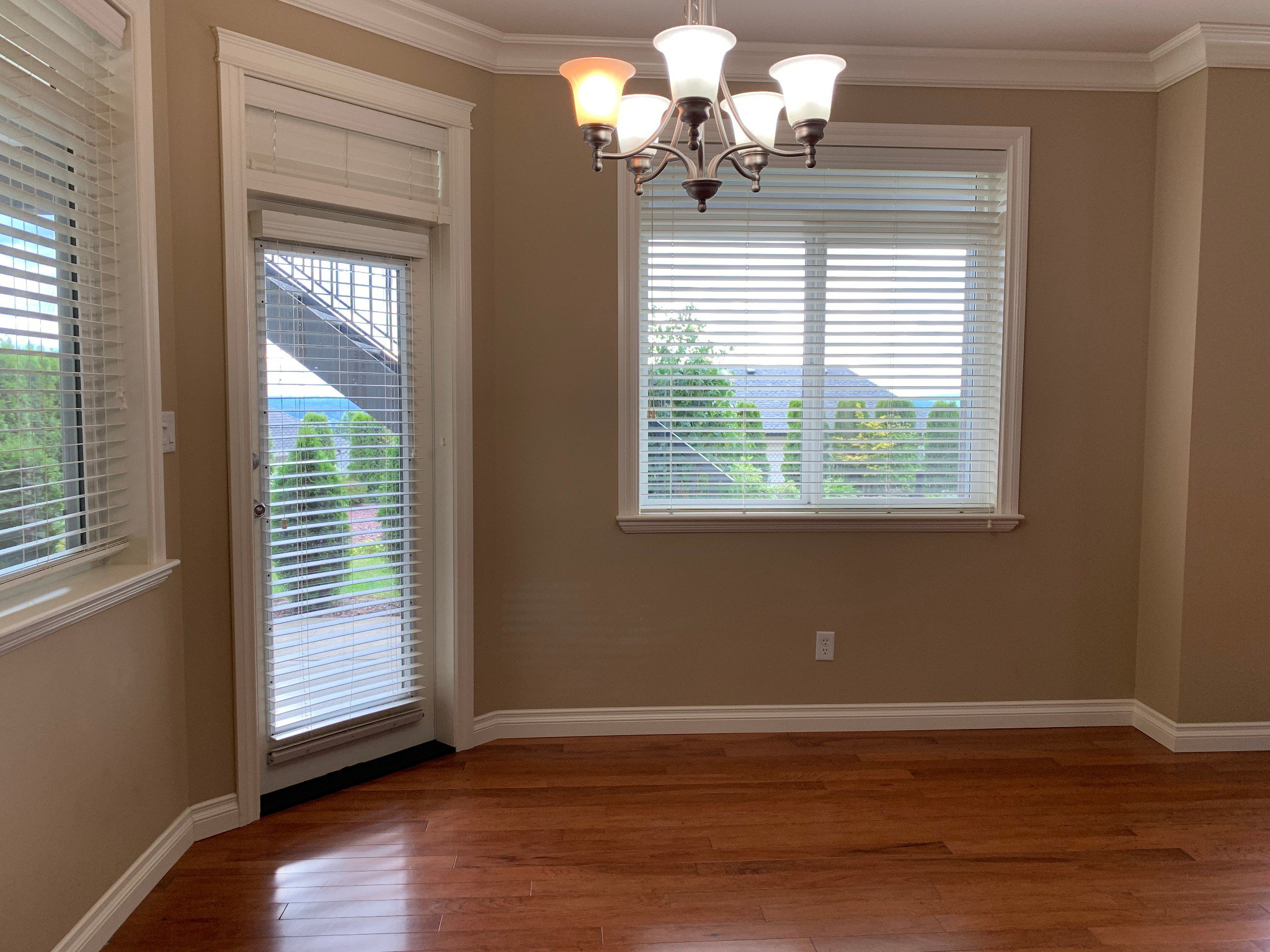 Photo 7: Photos: BSMT 3975 Caves Court in Abbotsford: Abbotsford East Condo for rent