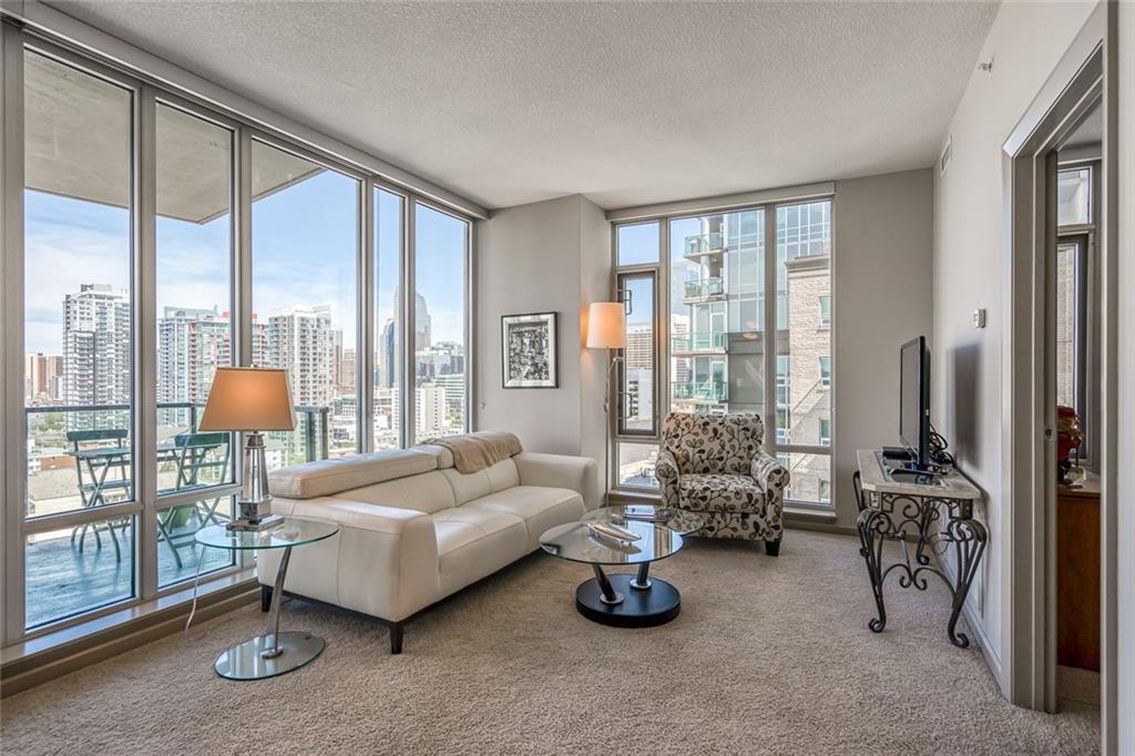 Main Photo: 1401 210 15 Avenue SE in Calgary: Beltline Apartment for sale : MLS®# C4299960