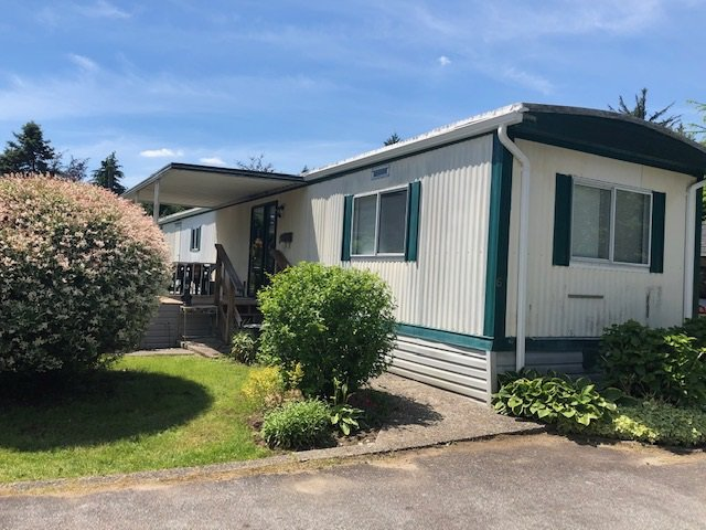 """Main Photo: 6 12868 229 Street in Maple Ridge: East Central Manufactured Home for sale in """"ALOUETTE SENIORS MOBILE HOME PARK"""" : MLS®# R2467469"""