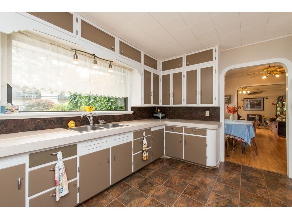 Photo 12: Photos: 2145 MCKENZIE Road in Abbotsford: Central Abbotsford House for sale : MLS®# R2498270