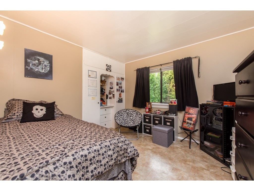 Photo 16: Photos: 2145 MCKENZIE Road in Abbotsford: Central Abbotsford House for sale : MLS®# R2498270
