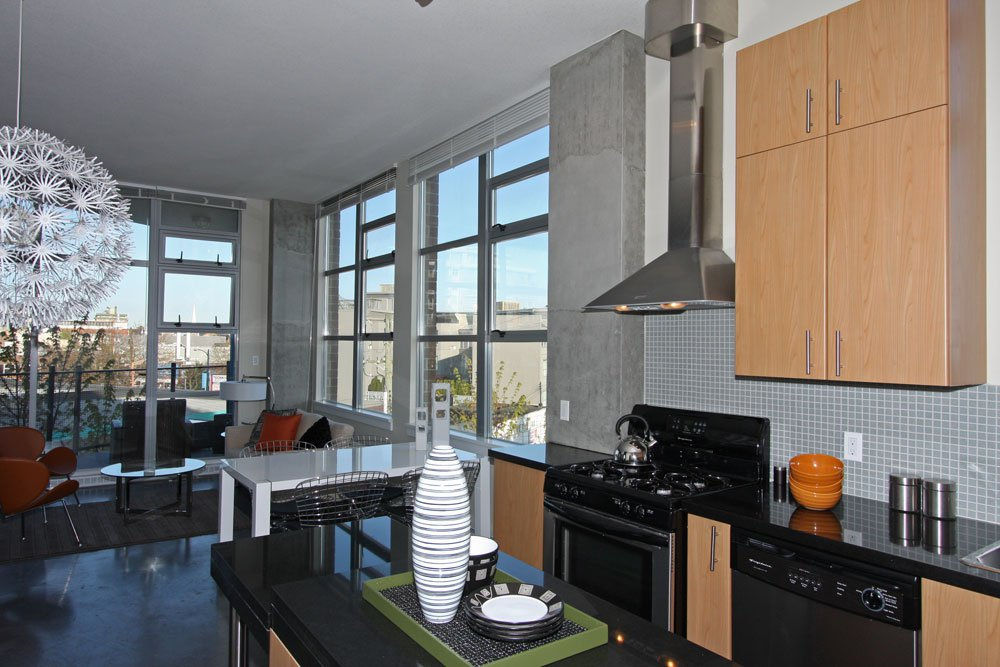 Photo 3: Photos: 313 2635 Prince Edward Street in Vancouver: Mount Pleasant VE Condo for sale (Vancouver East)  : MLS®# V822236