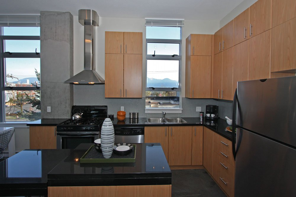 Photo 2: Photos: 313 2635 Prince Edward Street in Vancouver: Mount Pleasant VE Condo for sale (Vancouver East)  : MLS®# V822236
