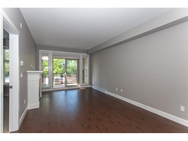 Photo 4: Photos: 207 15195 36 Avenue in Surrey: Morgan Creek Condo for sale (South Surrey White Rock)  : MLS®# R2292304