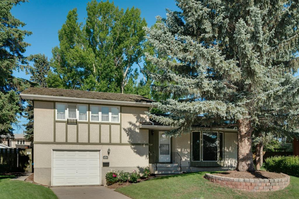 Main Photo: 5407 LADBROOKE Drive SW in Calgary: Lakeview Detached for sale : MLS®# A1009726