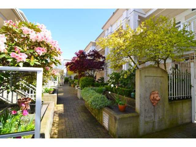 "Main Photo: # 204 2545 W BROADWAY BB in Vancouver: Kitsilano Condo for sale in ""TRAFALGAR MEWS"" (Vancouver West)  : MLS®# V1004071"