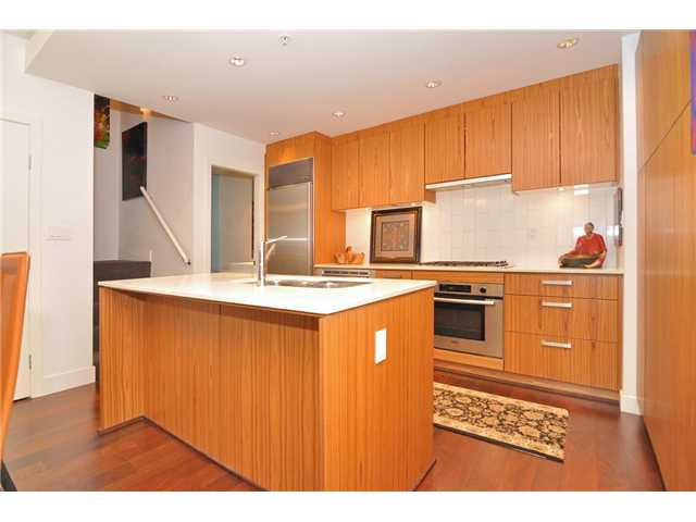 """Photo 44: Photos: 2370 PINE Street in Vancouver: Fairview VW Townhouse for sale in """"CAMERA"""" (Vancouver West)  : MLS®# V1018860"""