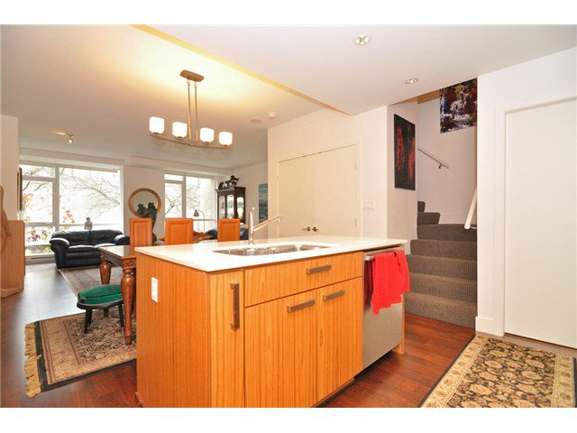 """Photo 46: Photos: 2370 PINE Street in Vancouver: Fairview VW Townhouse for sale in """"CAMERA"""" (Vancouver West)  : MLS®# V1018860"""