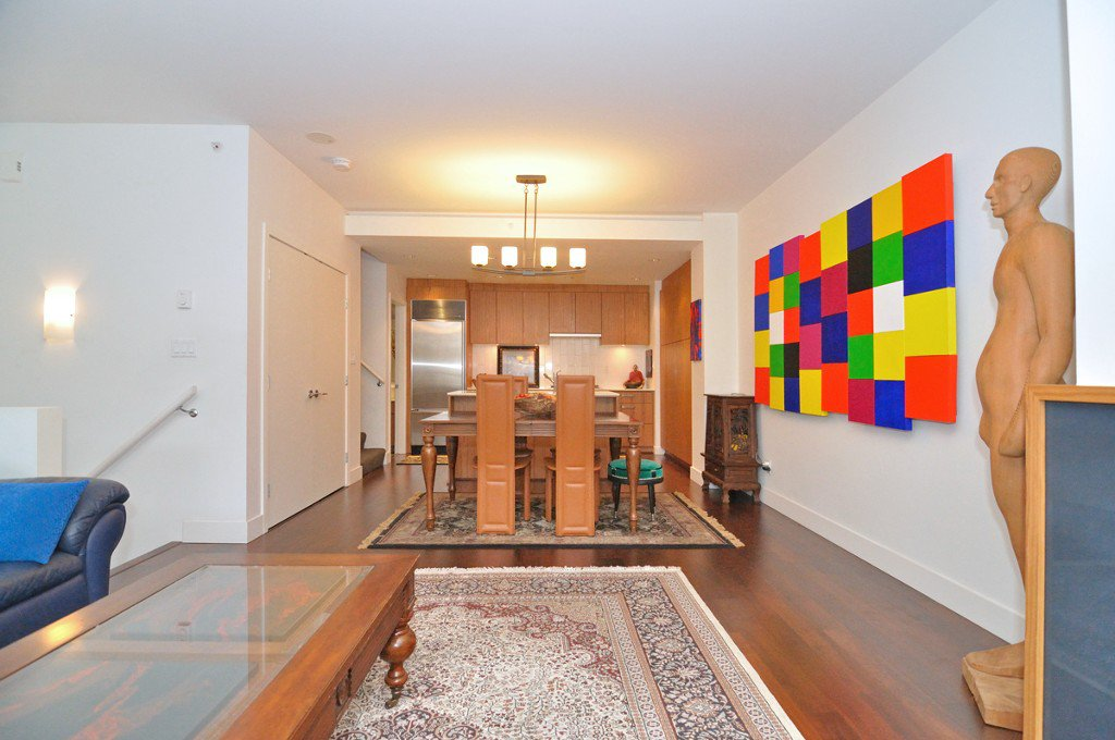 """Photo 8: Photos: 2370 PINE Street in Vancouver: Fairview VW Townhouse for sale in """"CAMERA"""" (Vancouver West)  : MLS®# V1018860"""