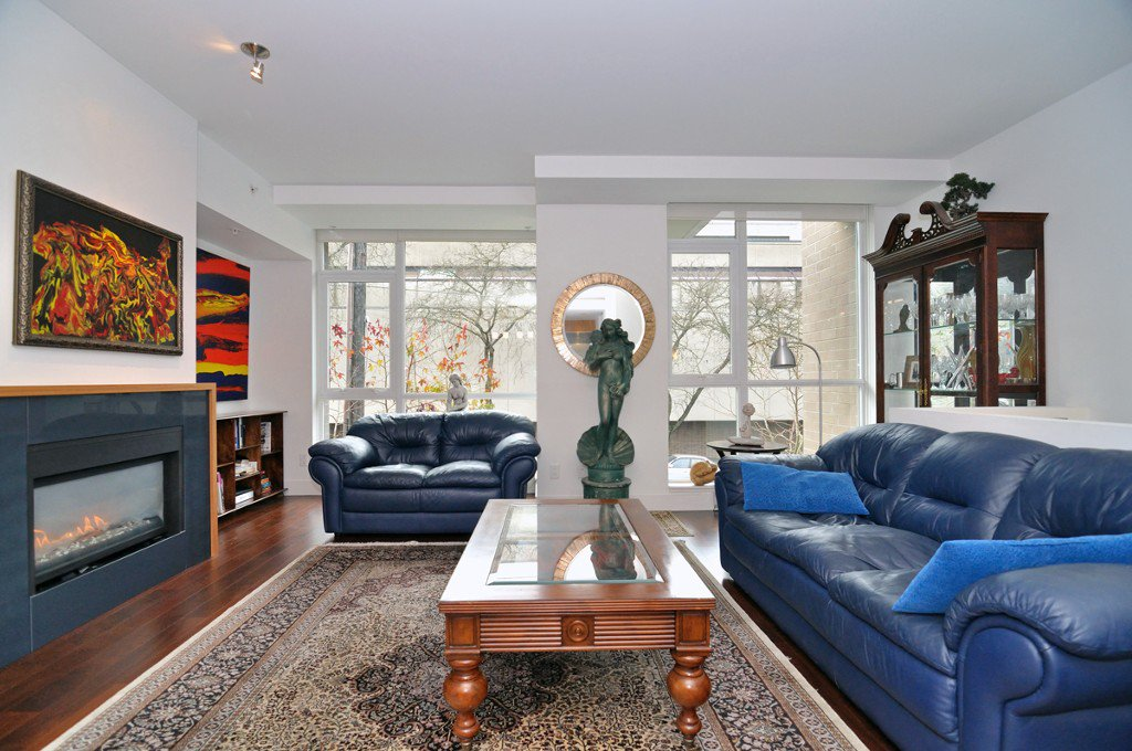 """Photo 29: Photos: 2370 PINE Street in Vancouver: Fairview VW Townhouse for sale in """"CAMERA"""" (Vancouver West)  : MLS®# V1018860"""
