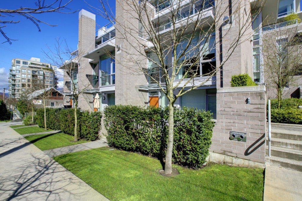"""Photo 24: Photos: 2370 PINE Street in Vancouver: Fairview VW Townhouse for sale in """"CAMERA"""" (Vancouver West)  : MLS®# V1018860"""