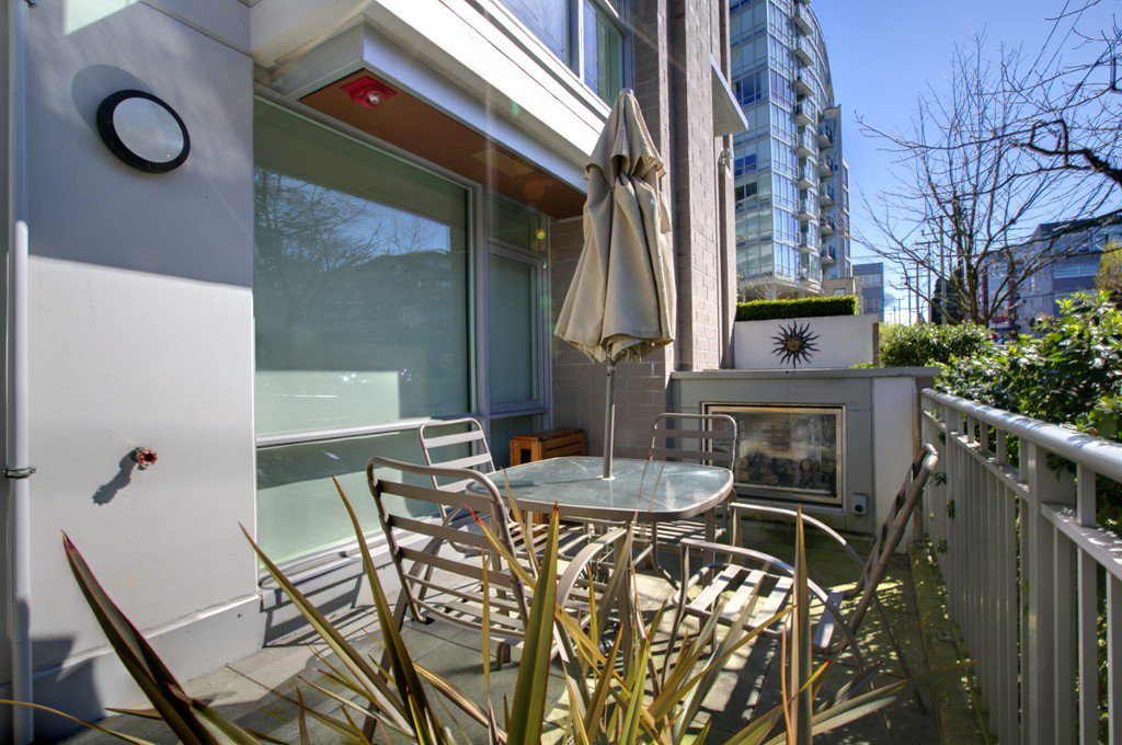 """Photo 26: Photos: 2370 PINE Street in Vancouver: Fairview VW Townhouse for sale in """"CAMERA"""" (Vancouver West)  : MLS®# V1018860"""