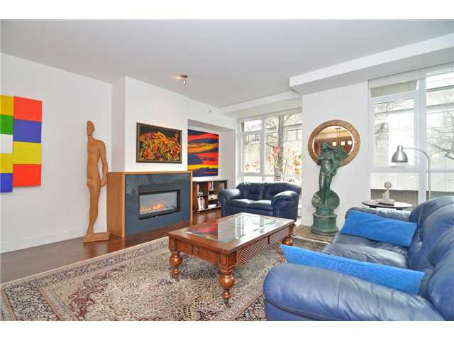 """Photo 40: Photos: 2370 PINE Street in Vancouver: Fairview VW Townhouse for sale in """"CAMERA"""" (Vancouver West)  : MLS®# V1018860"""