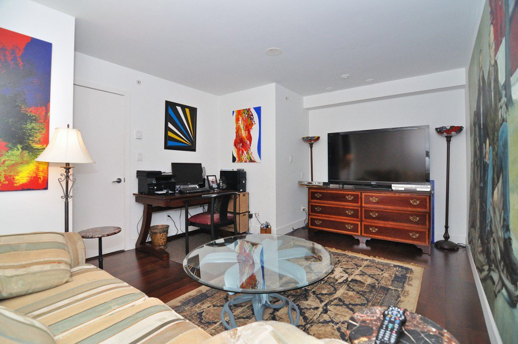 """Photo 13: Photos: 2370 PINE Street in Vancouver: Fairview VW Townhouse for sale in """"CAMERA"""" (Vancouver West)  : MLS®# V1018860"""