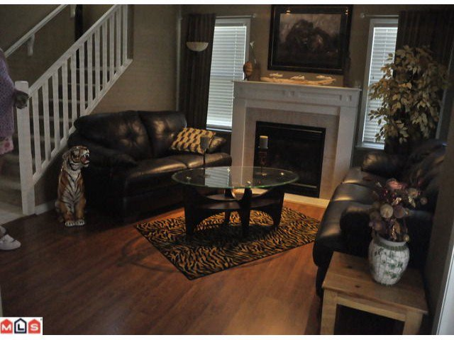 Photo 5: Photos: 55 16995 64th Avenue in : cloverdale Townhouse for sale (Cloverdale)  : MLS®# F1122462