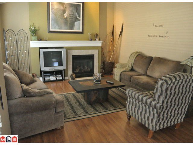 Photo 4: Photos: 55 16995 64th Avenue in : cloverdale Townhouse for sale (Cloverdale)  : MLS®# F1122462