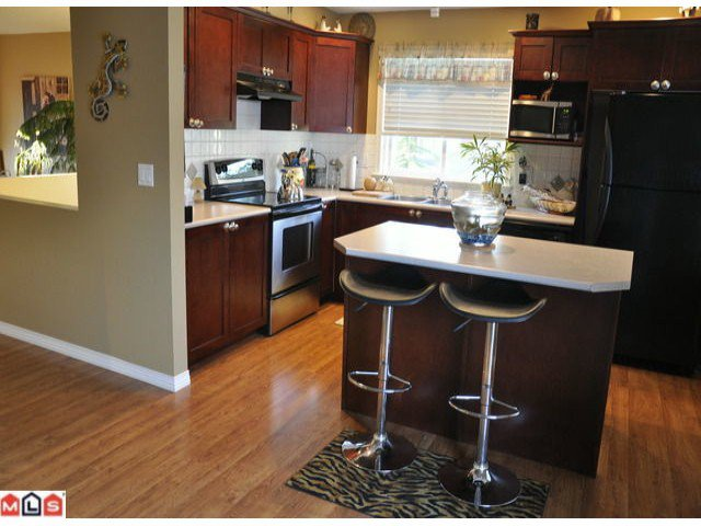 Photo 8: Photos: 55 16995 64th Avenue in : cloverdale Townhouse for sale (Cloverdale)  : MLS®# F1122462