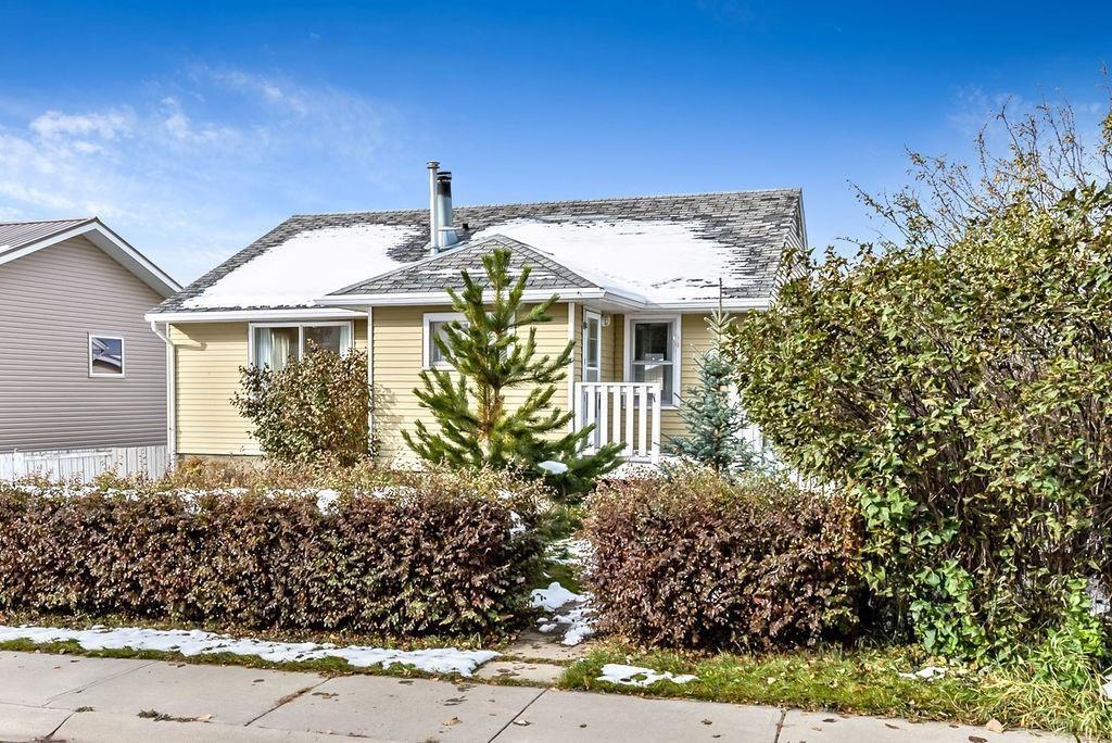 Main Photo: 411 Mountain View Place: Longview Detached for sale : MLS®# C4281612