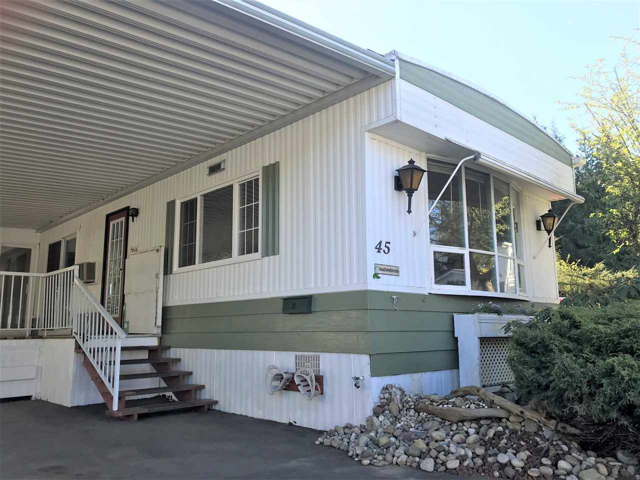 """Main Photo: 45 2270 196TH Street in Langley: Brookswood Langley Manufactured Home for sale in """"Pine Ridge Park"""" : MLS®# R2447689"""
