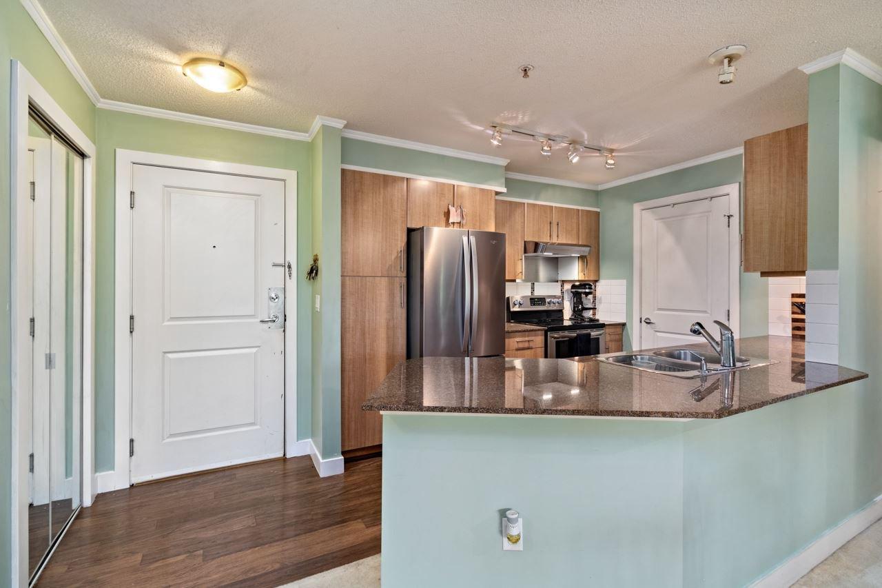 Photo 8: Photos: 306 12020 207A Street in Maple Ridge: Northwest Maple Ridge Condo for sale : MLS®# R2518444