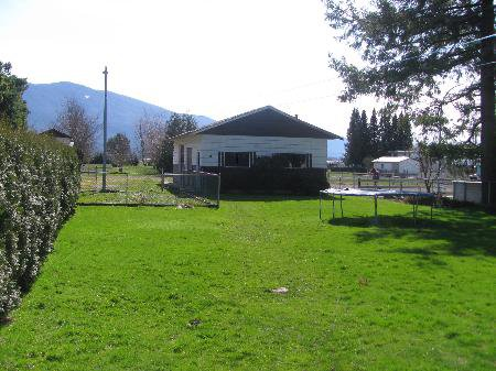 Photo 3: Photos: 42498 SOUTH SUMAS RD in Sardis: House for sale (Greendale)  : MLS®# H1101046