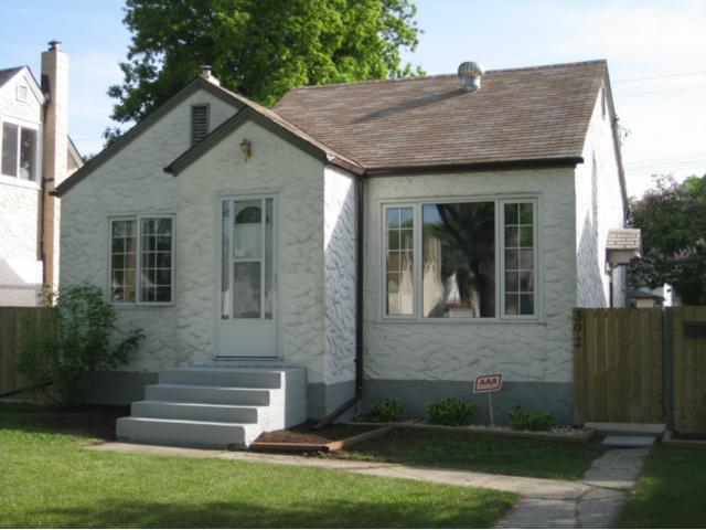 Main Photo: 392 Smithfield Avenue in WINNIPEG: West Kildonan / Garden City Residential for sale (North West Winnipeg)  : MLS®# 1210032