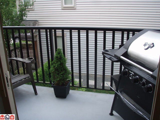 """Photo 8: Photos: # 8 5388 201A ST in Langley: Langley City Townhouse for sale in """"THE COURTYARD"""" : MLS®# F1301827"""