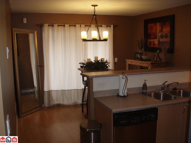 """Photo 5: Photos: # 8 5388 201A ST in Langley: Langley City Townhouse for sale in """"THE COURTYARD"""" : MLS®# F1301827"""
