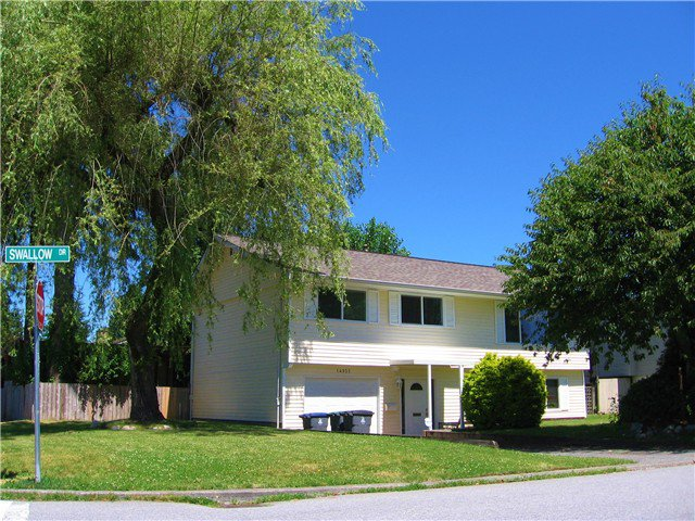 """Main Photo: 14935 SWALLOW Drive in Surrey: Bolivar Heights House for sale in """"BIRDLAND"""" (North Surrey)  : MLS®# F1416977"""