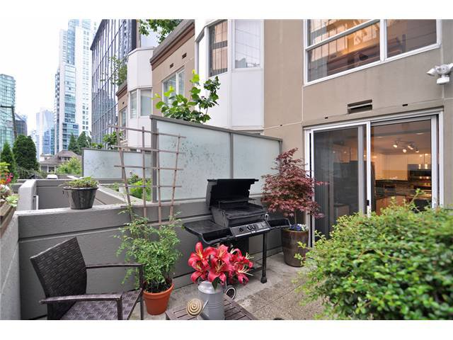 Main Photo: # 210 1166 MELVILLE ST in Vancouver: Coal Harbour Condo for sale (Vancouver West)  : MLS®# V1077124