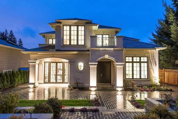Main Photo: 2458 LAWSON AV in West Vancouver: Dundarave House for sale : MLS®# V1103860