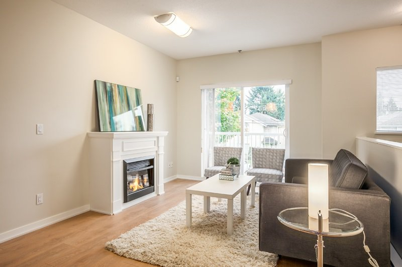 Main Photo: 405 1661 FRASER AVENUE in Port Coquitlam: Glenwood PQ Townhouse for sale : MLS®# R2007913