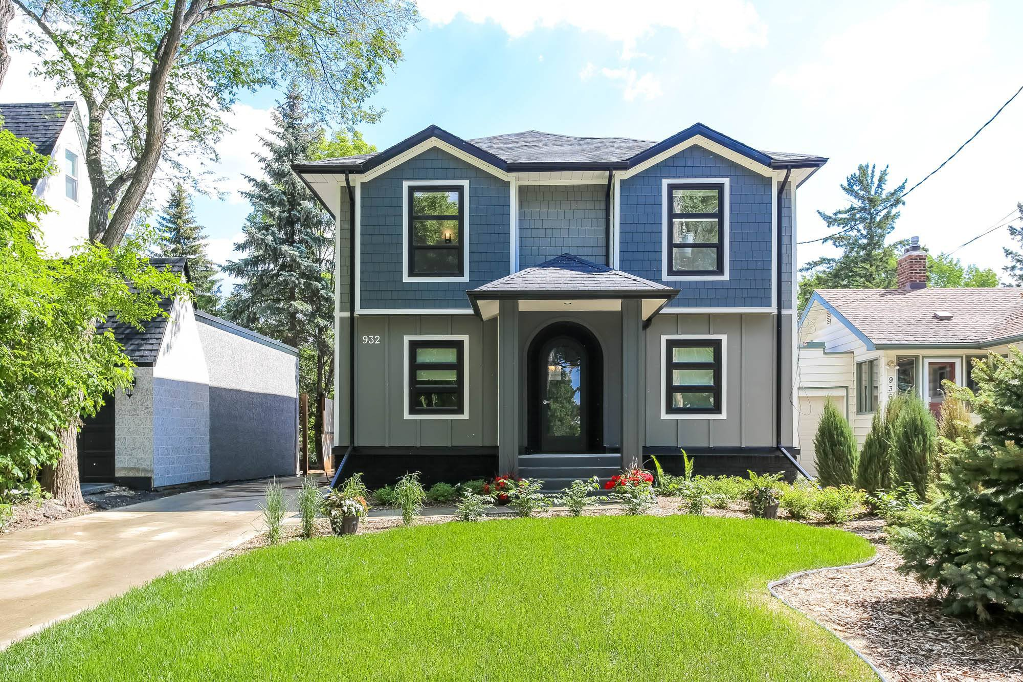 Welcome to 932 Palmerston Ave. on the Assiniboine River in Wolseley!