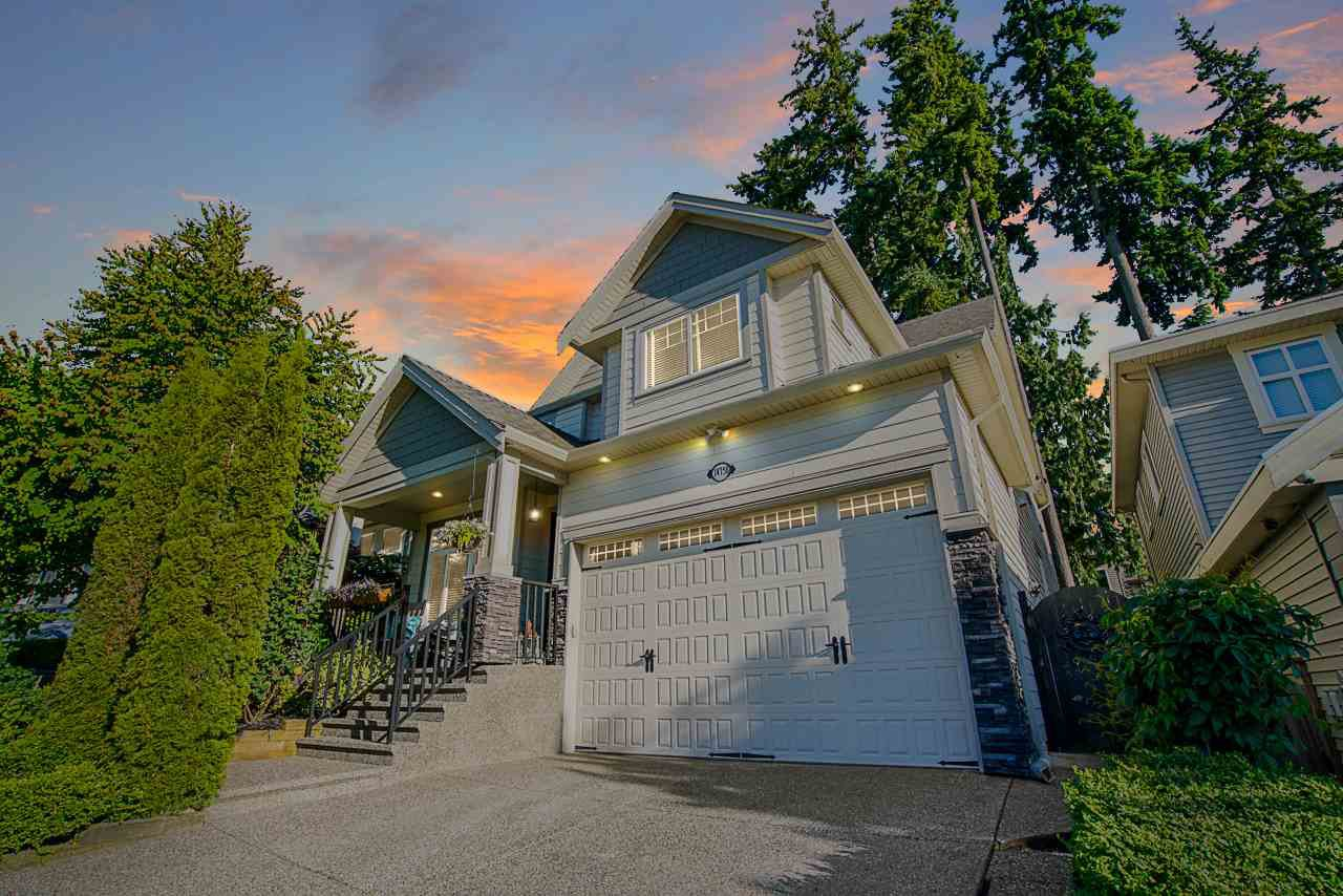Main Photo: 14758 34A Avenue in Surrey: King George Corridor House for sale (South Surrey White Rock)  : MLS®# R2466213