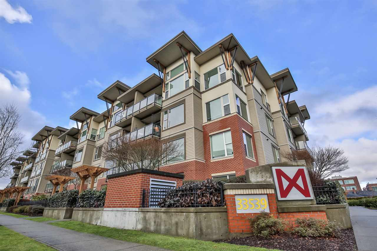 Main Photo: 411 33539 HOLLAND AVENUE in Abbotsford: Central Abbotsford Condo for sale : MLS®# R2440400