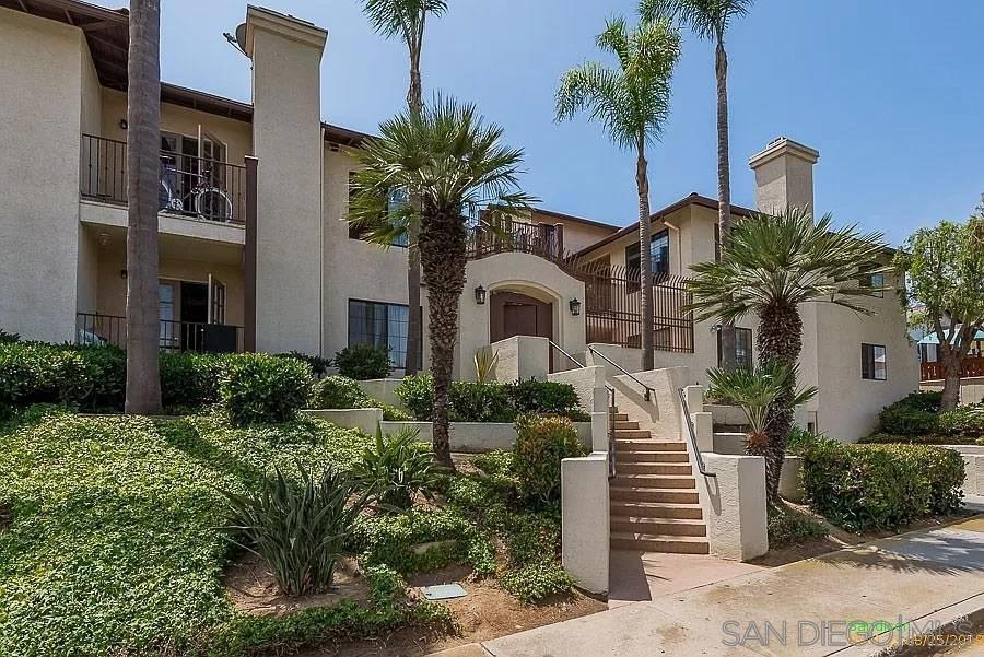 Main Photo: OCEAN BEACH Condo for sale : 1 bedrooms : 2828 Famosa Blvd. #305 in San Diego