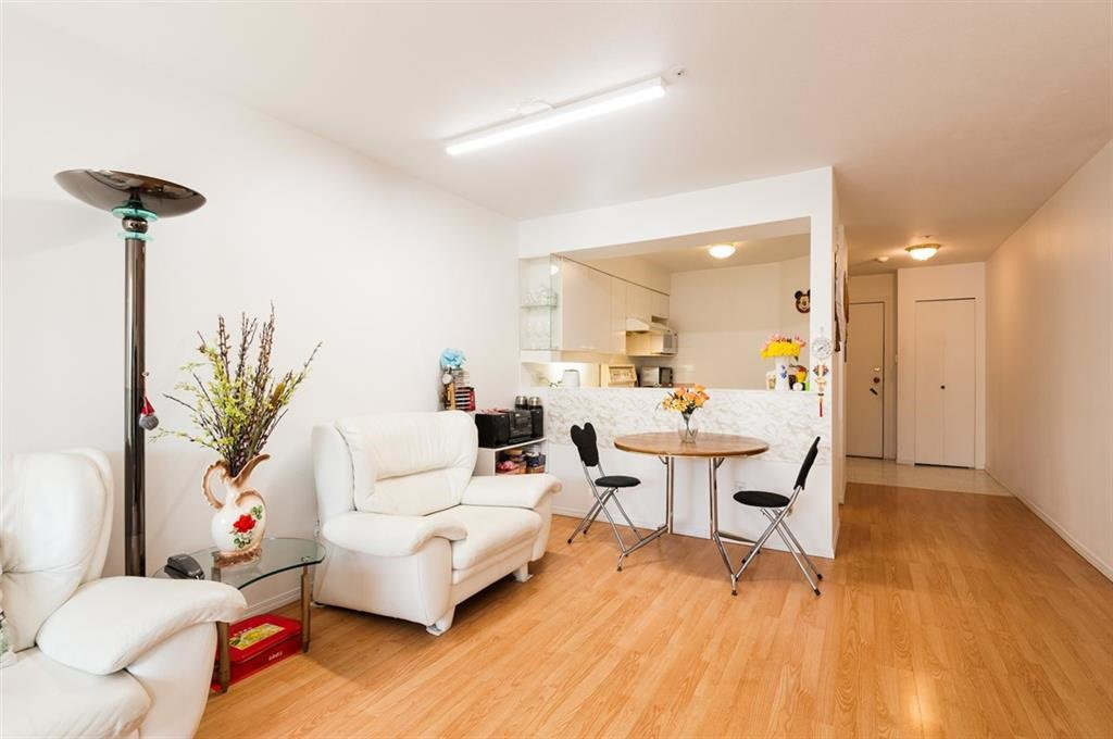 """Main Photo: 210 1615 FRANCES Street in Vancouver: Hastings Condo for sale in """"FRANCES MANOR"""" (Vancouver East)  : MLS®# R2525708"""