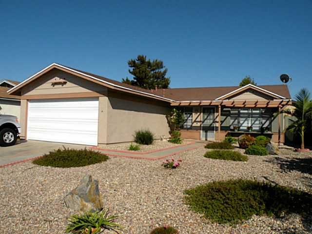 Main Photo: MIRA MESA House for sale : 3 bedrooms : 10025 Canright Way in San Diego