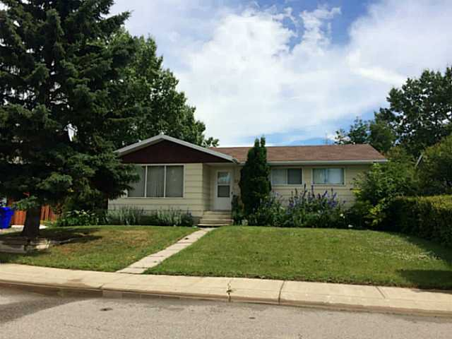 Main Photo: 5310 Alder Close in : Olds Residential Detached Single Family for sale : MLS®# C3627676