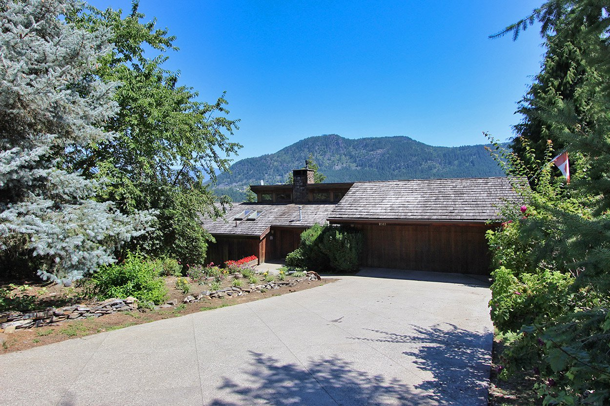 Photo 6: Photos: 2383 Mt. Tuam Crescent in : Blind Bay House for sale (South Shuswap)  : MLS®# 10164587