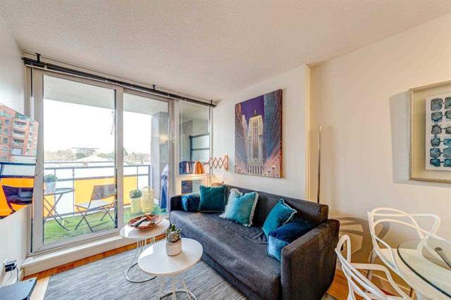 Main Photo: 506 718 Main Street in Vancouver: Mount Pleasant VE Condo for sale (Vancouver East)  : MLS®# R2337159