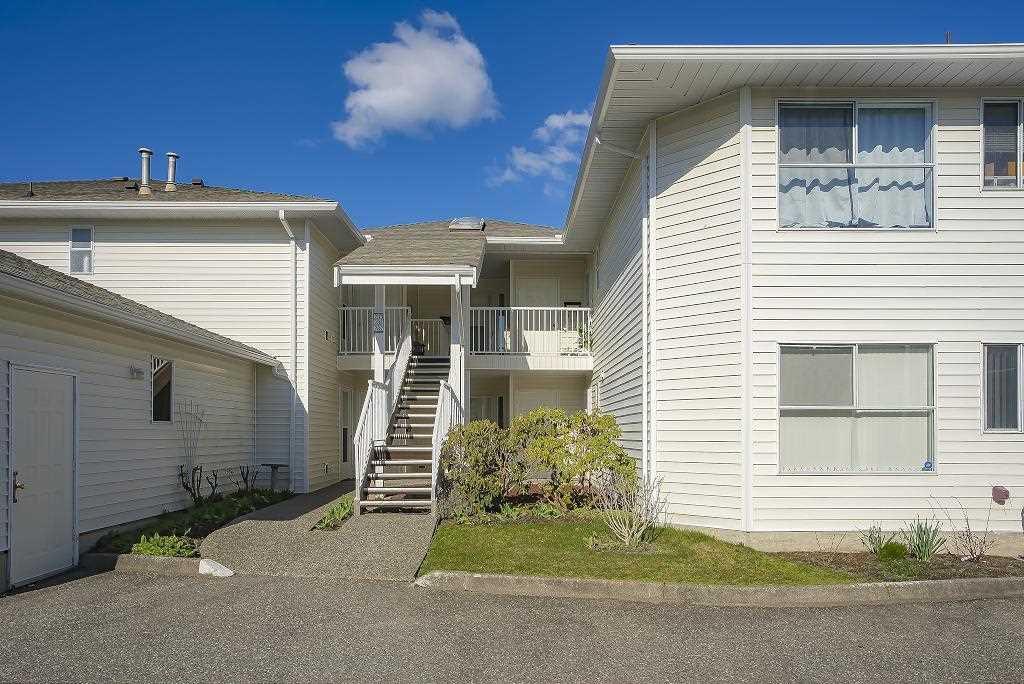 "Main Photo: 131 7156 121 Street in Surrey: West Newton Townhouse for sale in ""GLENWOOD VILLAGE SCOTTSDALE"" : MLS®# R2434775"