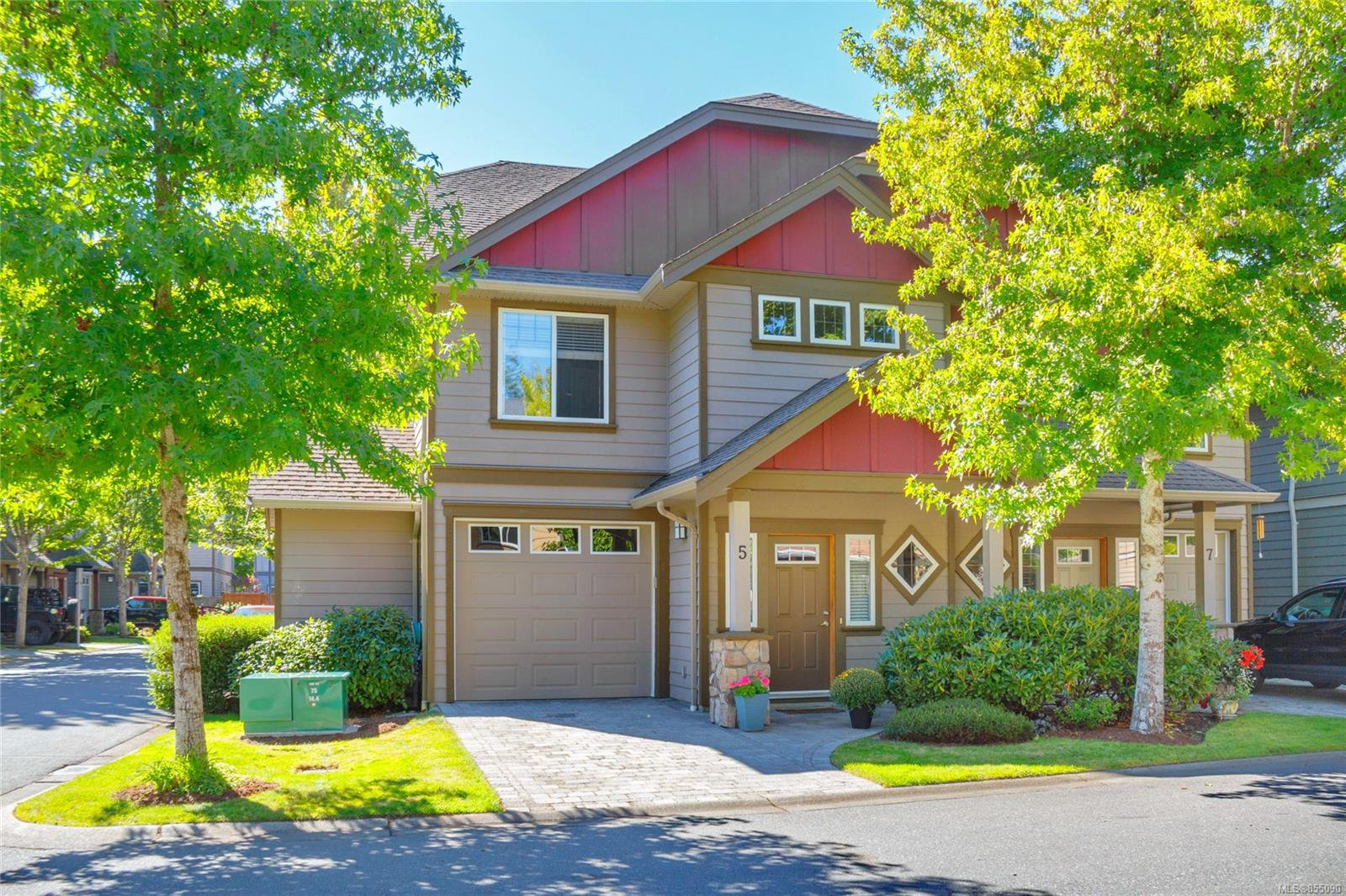 Main Photo: 5 2210 Sooke Rd in : Co Hatley Park Row/Townhouse for sale (Colwood)  : MLS®# 855090