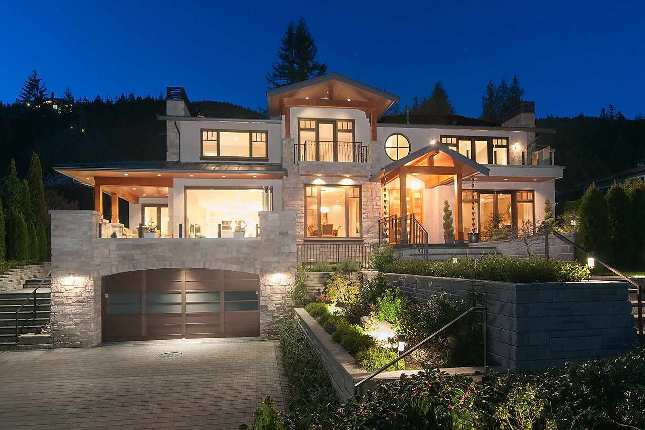 Main Photo: 3185 WESTMOUNT Place in West Vancouver: Westmount WV House for sale : MLS®# R2521333