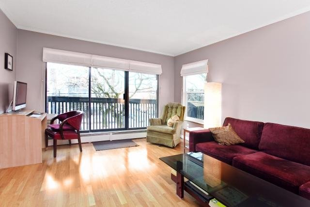 "Photo 5: Photos: 306 3020 QUEBEC Street in Vancouver: Mount Pleasant VE Condo for sale in ""KARMA ROSE"" (Vancouver East)  : MLS®# V928847"