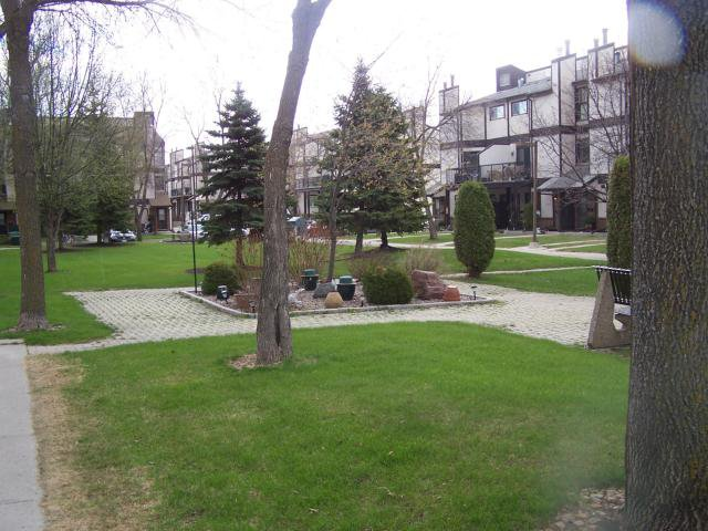 Main Photo: 3093 Pembina Highway in WINNIPEG: Fort Garry / Whyte Ridge / St Norbert Condominium for sale (South Winnipeg)  : MLS®# 1306220