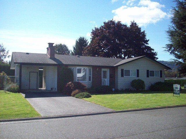 Photo 1: Photos: 9050 ASHWELL RD in Chilliwack: Chilliwack W Young-Well House for sale : MLS®# H1303799